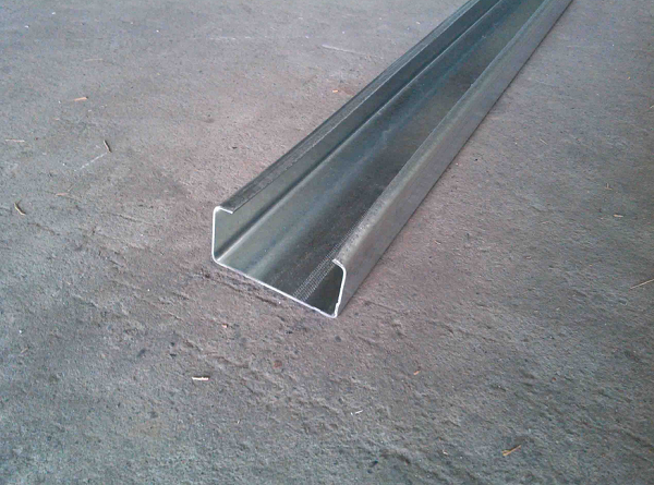 优质C型钢材